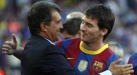 Laporta aseguró que la prioridad de Messi es seguir en el Camp Nou. EFE