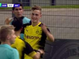 Larsen, del Borussia de Youth League, hizo el 4-2 de penalti ante el Real Madrid. 3Sport