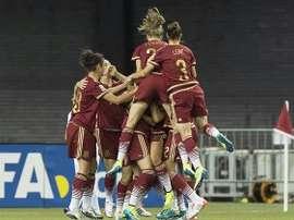 Las futbolistas de la Selección Española femenina celebran la consecución de un tanto ante Irlanda. Twitter