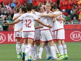Las jugadoras de la selección femenina de fútbol de España celebran uno de los tres tantos logrados ante China. Twitter