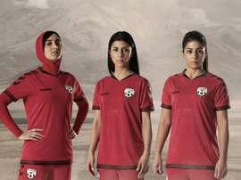 L'équipe nationale afghane de football féminin portera un maillot avec hijab. Twitter