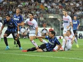Lasagna le amargó la tarde al Inter en el minuto 92. Twitter