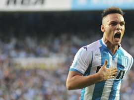 Lautaro Martinez denies having signed a pre-contract agreement with Inter. EFE