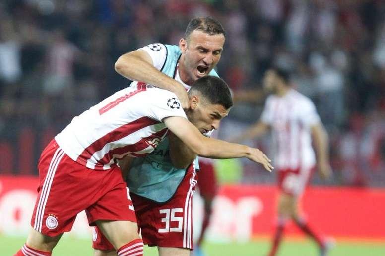 Dinamo de Zagreb y Olympiacos imponen su ley. Olympiacosfc