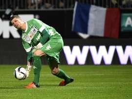Le gardien Ludovic Butelle avec le SCO d'Angers, contre le PSG au stade Jean Bouin, le 1er décembre 2015 à Angers. AFP