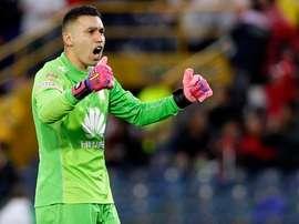 Leandro Castellanos podría ser otro de los metas del Santa Fe convocados por Colombia. Twitter