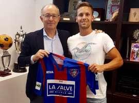 El exdelantero del Rácing B Leandro Martínez firma con el Leioa. SDLEIOAoficial