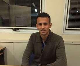 Leandro Sosa, en su firma con Aldosivi. ClubAldosivi