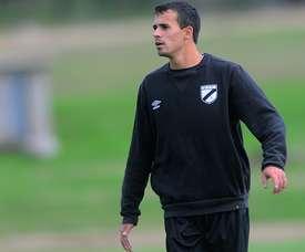 Leandro Sosa estará vinculado hasta 2017 a Danubio. Tenfield