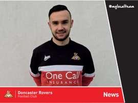 Lecygne llega al Doncaster Rovers. DoncasterRoversFC