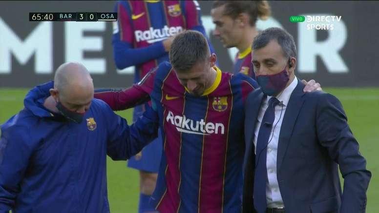 Lenglet went off injured against Osasuna. Screenshot/DirecTVSports