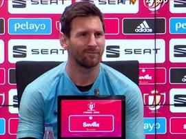 La cara de Messi cuando le preguntaron si quiere seguir en el Barça. Captura/GOL