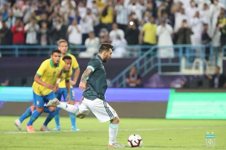 Messi offre la victoire à l'Argentine. Goal