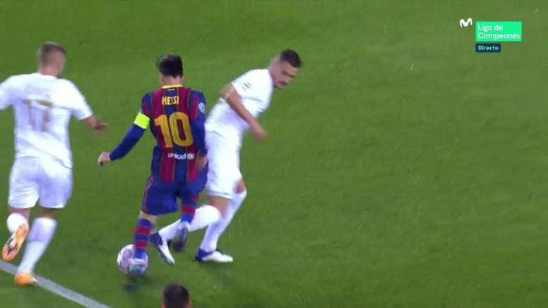 Messi sblocca il risultato al Camp Nou. LigadeCampeoenes