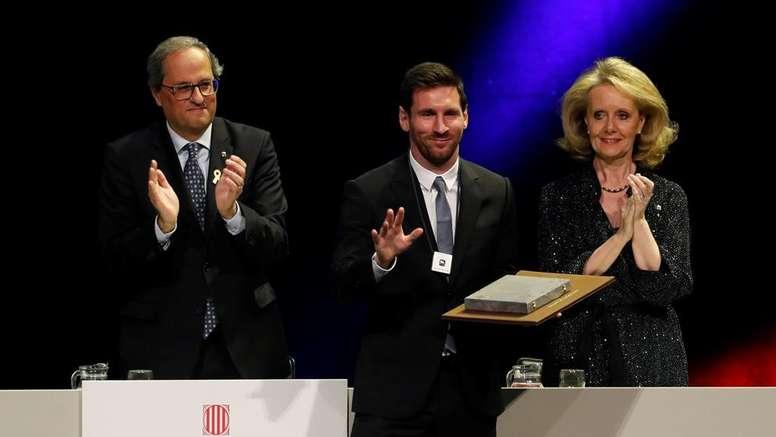 Leo Messi es el segundo futbolista que recibe la Creu de Sant Jordi. EFE