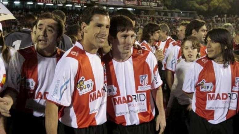 Messi, jugando un partido con la Fundación del Atlético. EFE
