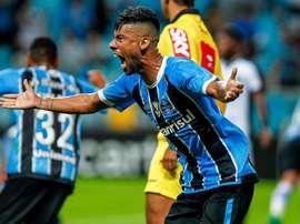 Léo Moura anuncia sua saída do Grêmio. GremioFBPA
