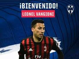 Leonel Vangioni, défenseur de l'AC Milan, s'est officiellement engagé avec Monterrey. RayadosOficial