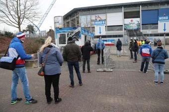 Les supporters allemands de retour dans les stades pour la première fois depuis novembre. EFE