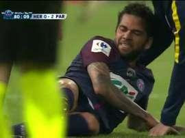 Daniel Alves pourrait manquer le Mondial. Capture