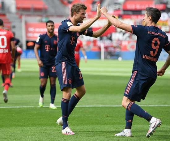 Bayern garante vitória contra o Leverkusen. Twitter/FCBayern