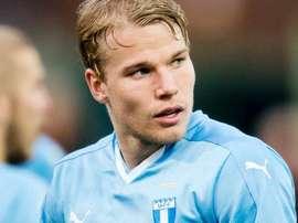 Lewicki es el Kroos del Malmö. Twitter