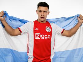 Lisandro Martinez rejoint l'Ajax. AFCAjax