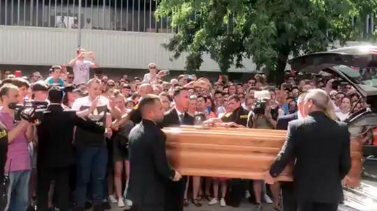 Reyes' coffin arrives at Sevilla's football ground. Twitter/SevillaFC
