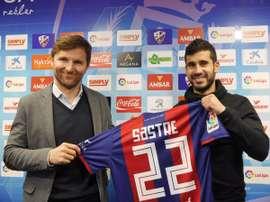Lluis Sastre, en su presentación como nuevo jugador del Huesca. SDHuesca