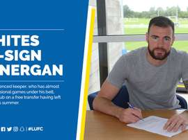 Lonergan signs his contract with Leeds. LUFC