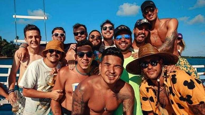 Los 'toiss' son los mejores amigos de Neymar. Instagram/neymarjr