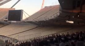Tensión entre los aficionados que accedieron a la final de Grecia. Captura/ToniPadilla