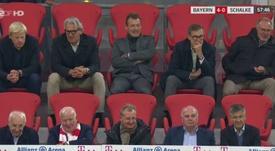 Los directivos de Bayern y Schalke 04, juntos y sin mascarilla. Captura/MovistarLigaDeCampeones