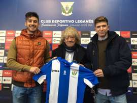 Los fichajes invernales del Leganés para su filial, Pibe y Urri, en su presentación. Twitter/CDLeganes