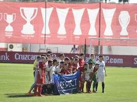 Los jugadores del Spartak habían posado contra el racismo unas jornadas antes. Twitter/CanteraSFC