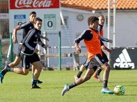 Los futbolistas de Osasuna, en un entrenamiento. Twitter