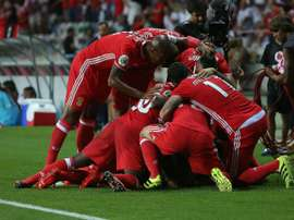 Los futbolistas del Benfica portugués celebran un tanto en un partido de liga lusa. SLBenfica