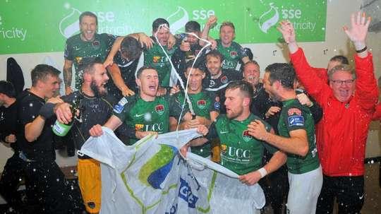 Cork City se renforce. Cork