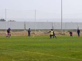 Los futbolistas del Huesca, en un entrenamiento. SDHuesca