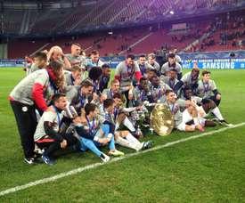 Los futbolistas del Red Bull de Salzburgo celebran el triunfo sobre el Admira Mödling en la Copa de Austria, lo que supone el doblete para el club. RedBullSalzburg