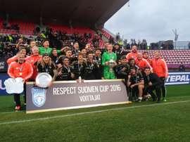Los futbolistas del SJK Seinajoki celebran la consecución de su primera Copa de Finlandia. Twitter/SJK_Seinajoki