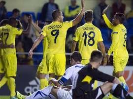 Los futbolistas del Villarreal celebran uno de los tantos anotados al Dinamo de Minsk. Twitter