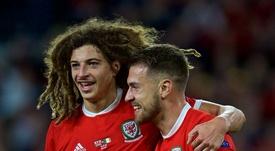 Ethan Ampadu pudo haber jugado con Inglaterra, pero fue descartado y eligió Gales. Twitter/Cymru