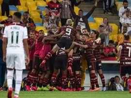 Flamengo derrota o Fluminense com muito suspense. Flamengo