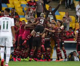 Flamengo tumba  a Fluminense con mucho suspense. Flamengo