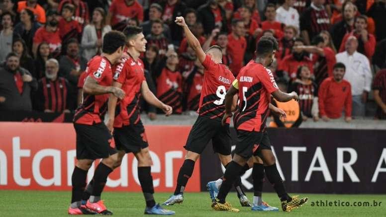 Clube aconselha os torcedores a não irem ao estádio apesar do comunicado da Federação. AthleticoPR