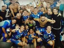 Los jugadores de Atlético Rafaela celebran un triunfo. AMSyD