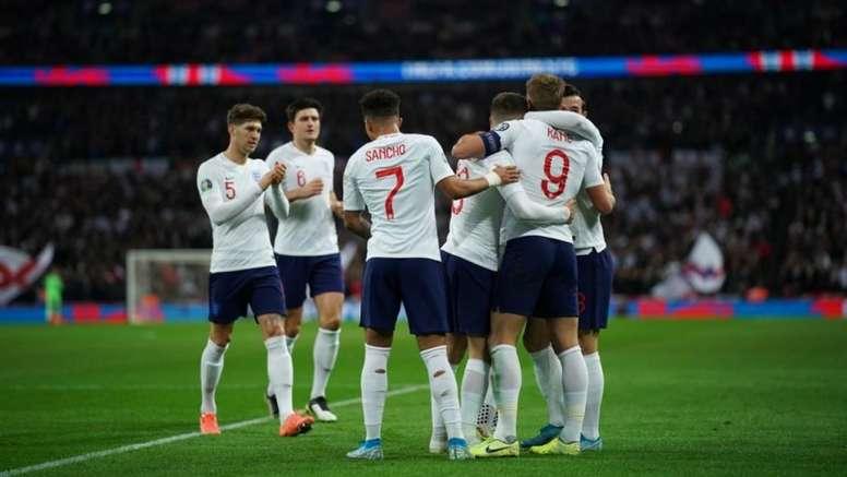 A seleção inglesa quebra recordes com equipe jovem. Twitter/England