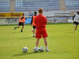Los jugadores de la Cultural, en un entrenamiento. CYDLeonesa