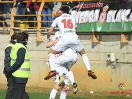 Los jugadores de la Cultural Leonesa celebran uno de los tantos anotados ante el Nàstic. LaLiga